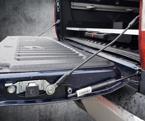 Heckklappenliftsystem Prolift Nissan Navara NP300